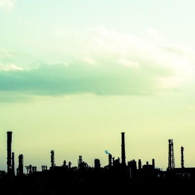 「工場のシルエット」の写真素材