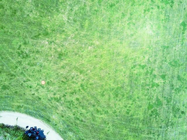 古河市渡良瀬川の河川敷にあるドローン練習場(上空)の写真