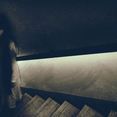 「失恋で落ち込む幽霊」の写真素材