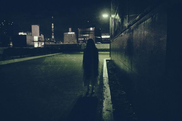 道端で出会った女性の亡霊の写真