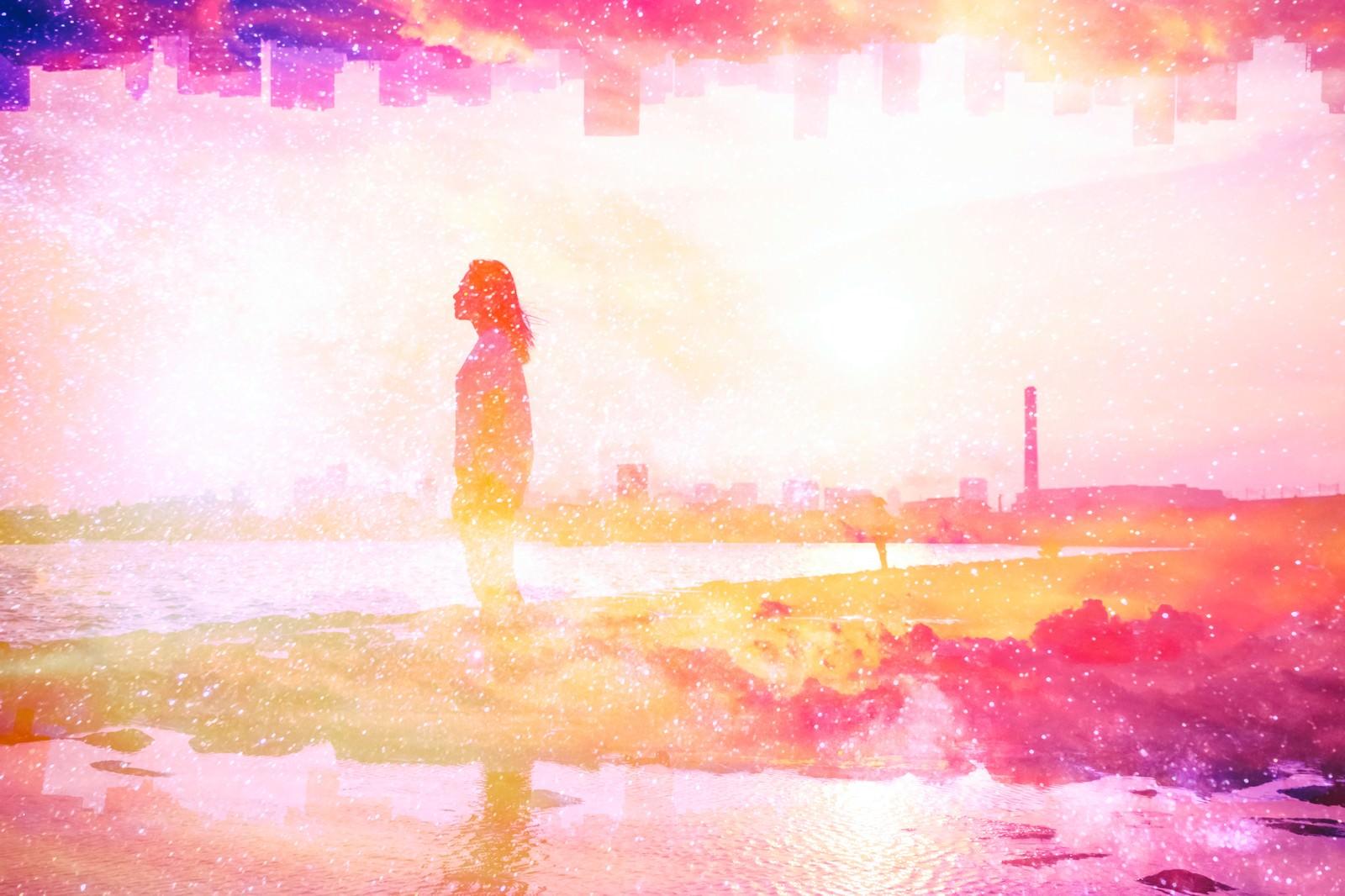 「夢と旅立ち(フォトモンタージュ)夢と旅立ち(フォトモンタージュ)」のフリー写真素材を拡大