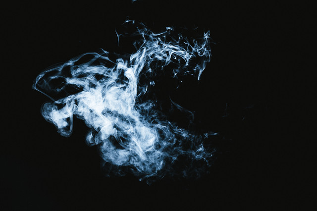 マッドピエロのような煙の写真