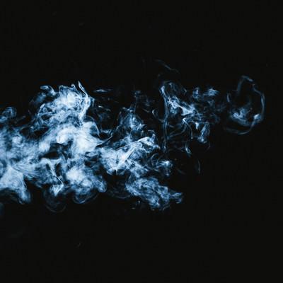 「霊魂のような煙」の写真素材