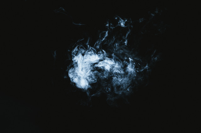 ポワッとした煙の写真