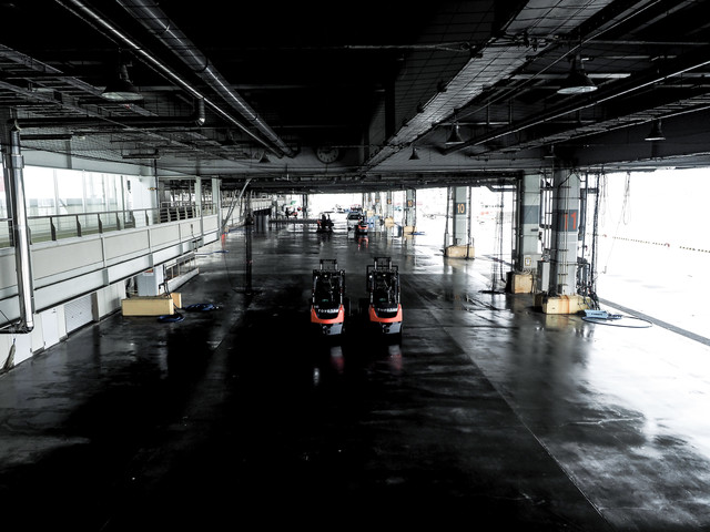 気仙沼漁港のセリ場の写真