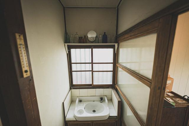 古民家の手洗い場の写真