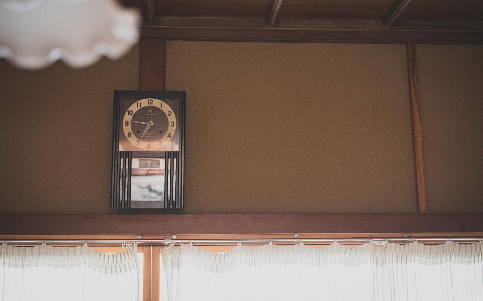 「和室の掛時計」の写真