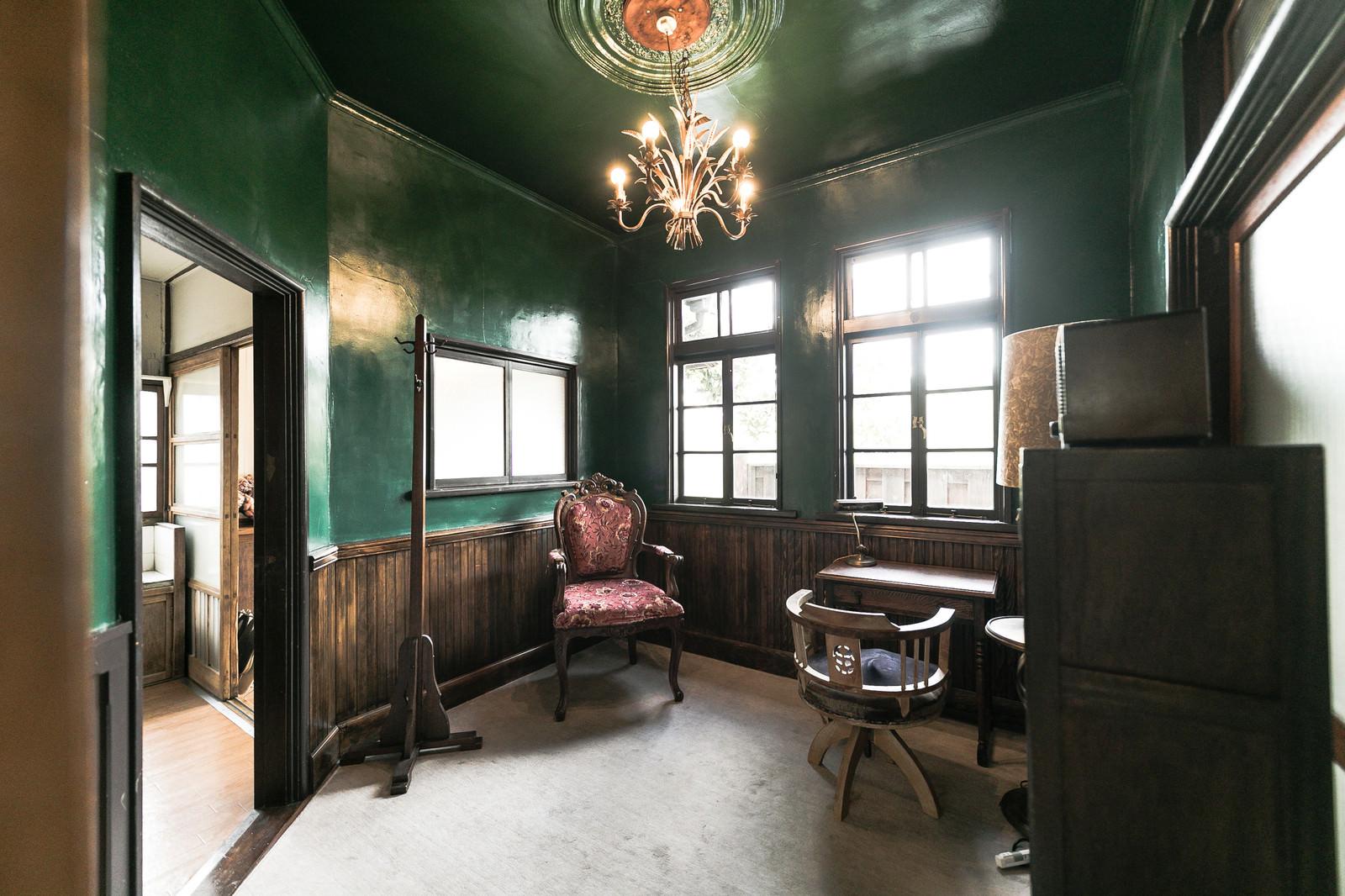 「古民家の洋室」の写真
