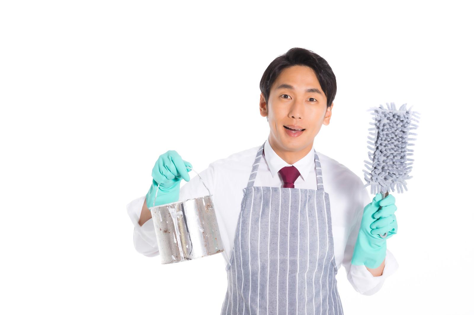 「清掃係の販売員」の写真[モデル:大川竜弥]