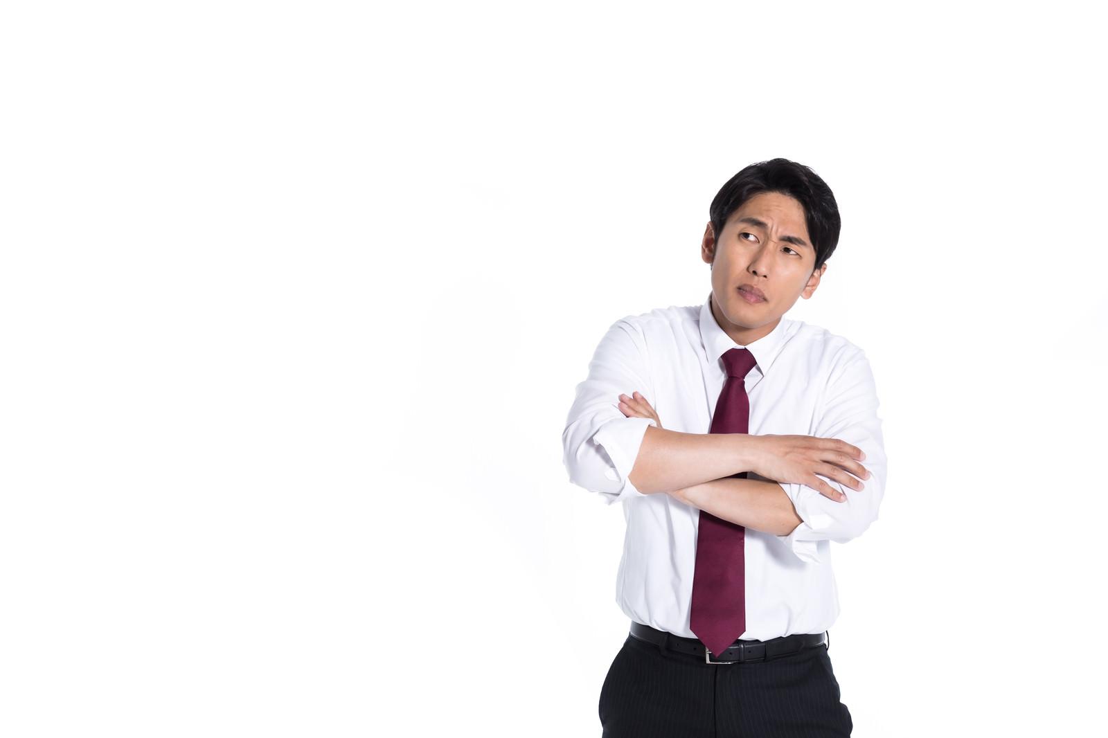 「同期の成績が気になる営業担当」の写真[モデル:大川竜弥]