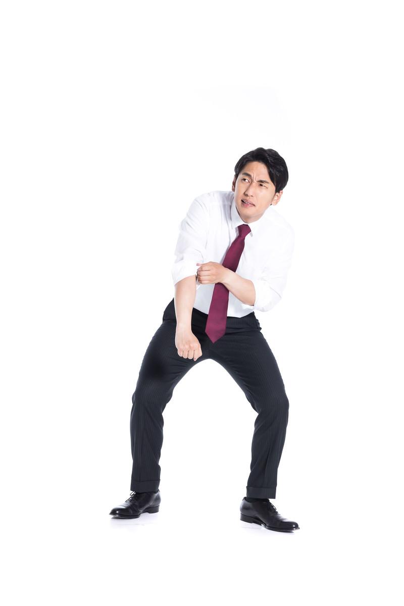 「逆境に強い会社員」の写真[モデル:大川竜弥]