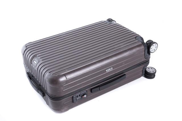 出張用のスーツケースの写真