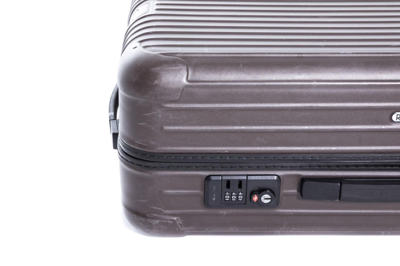 「スーツケースの鍵(ダイヤルロック式)」の写真