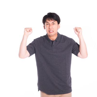 激怒する男性の写真