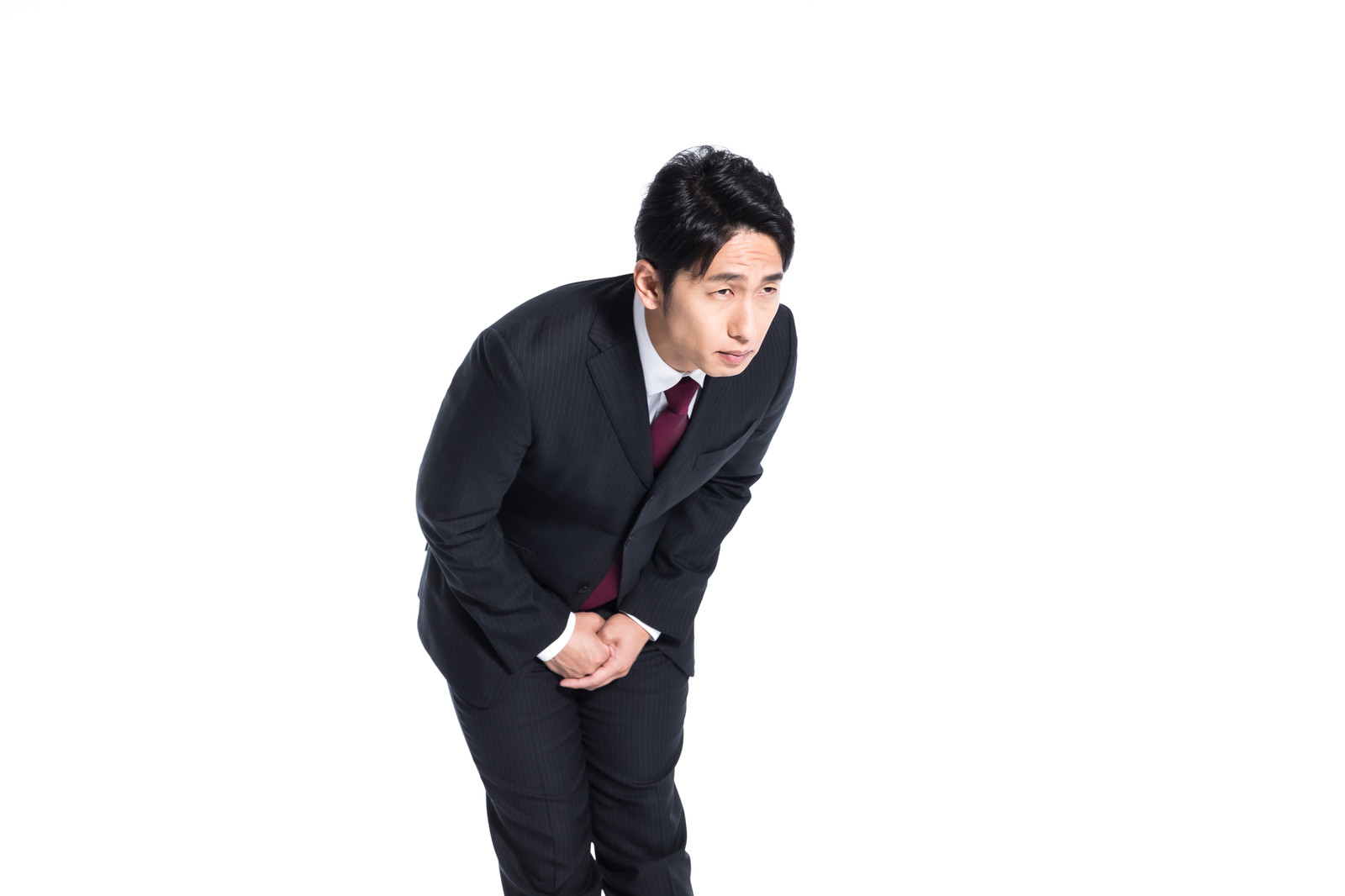 「急所を守る会社員」の写真[モデル:大川竜弥]