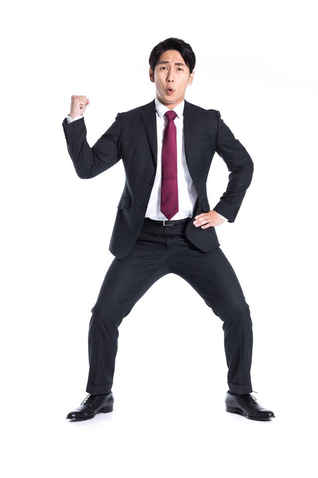 24時間戦えなさそうなジャパニーズビジネスマンの写真