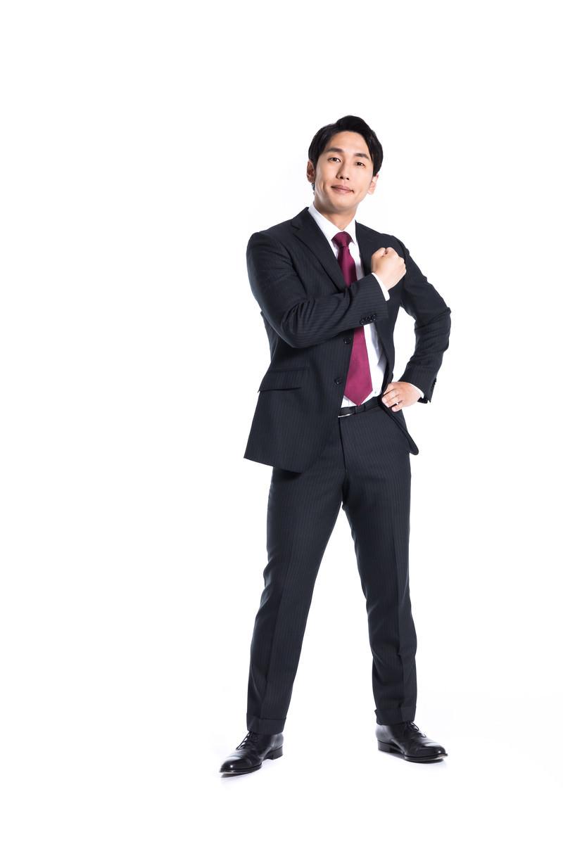 「会社に人生を捧げるマン」の写真[モデル:大川竜弥]