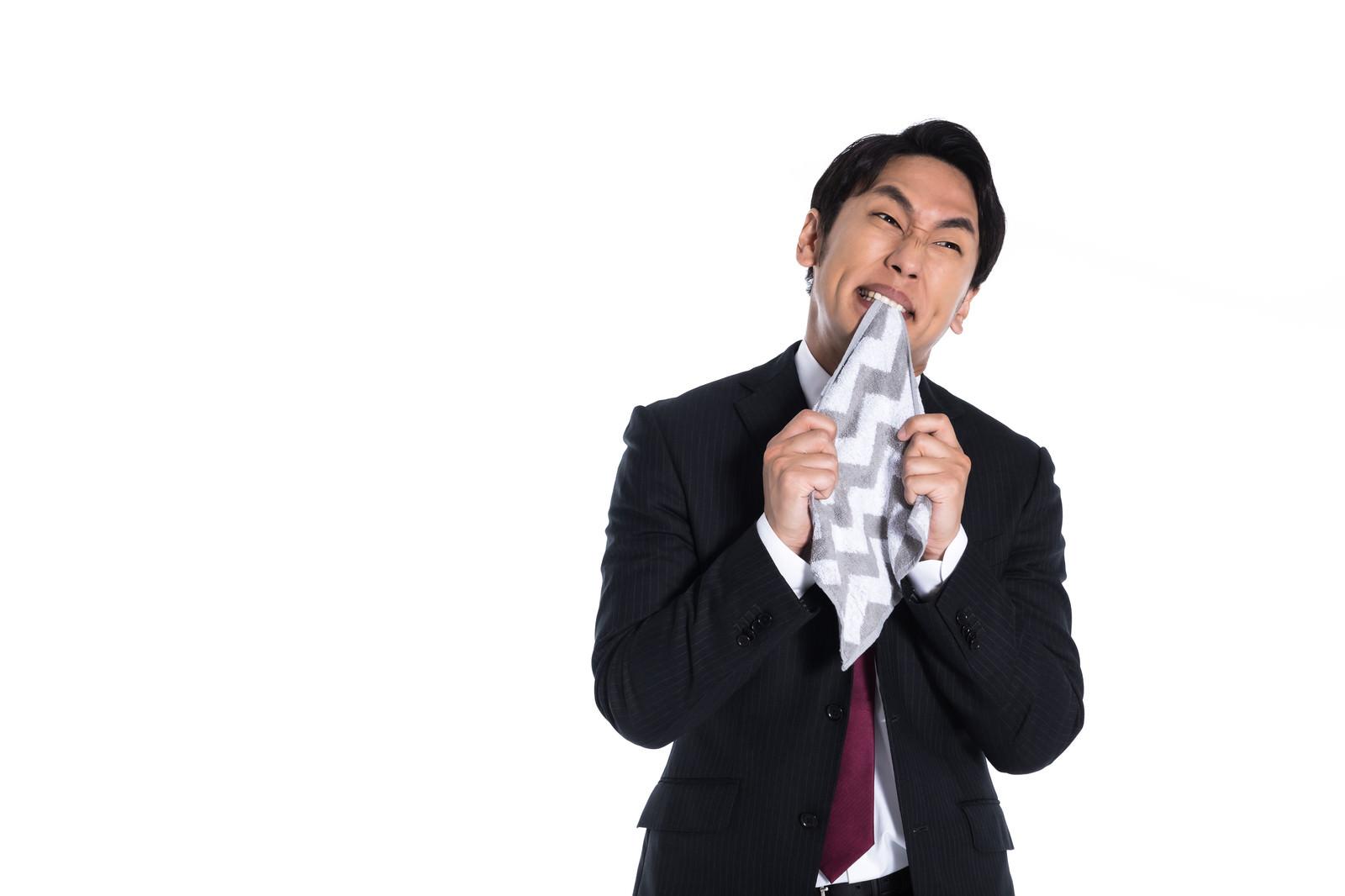 「く゛や゛し゛い゛!゛!゛!゛」の写真[モデル:大川竜弥]