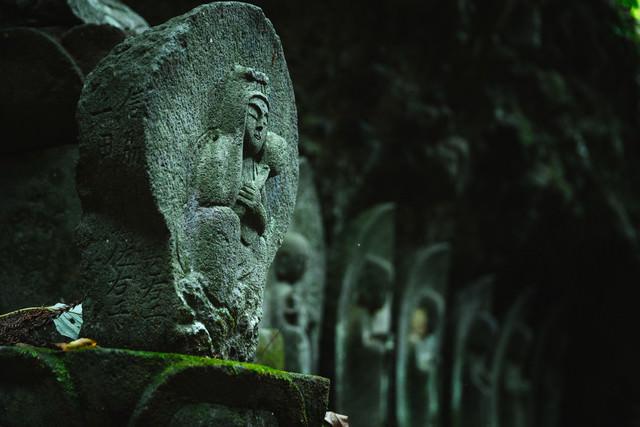 滝沢観音石仏群の子安観音の写真