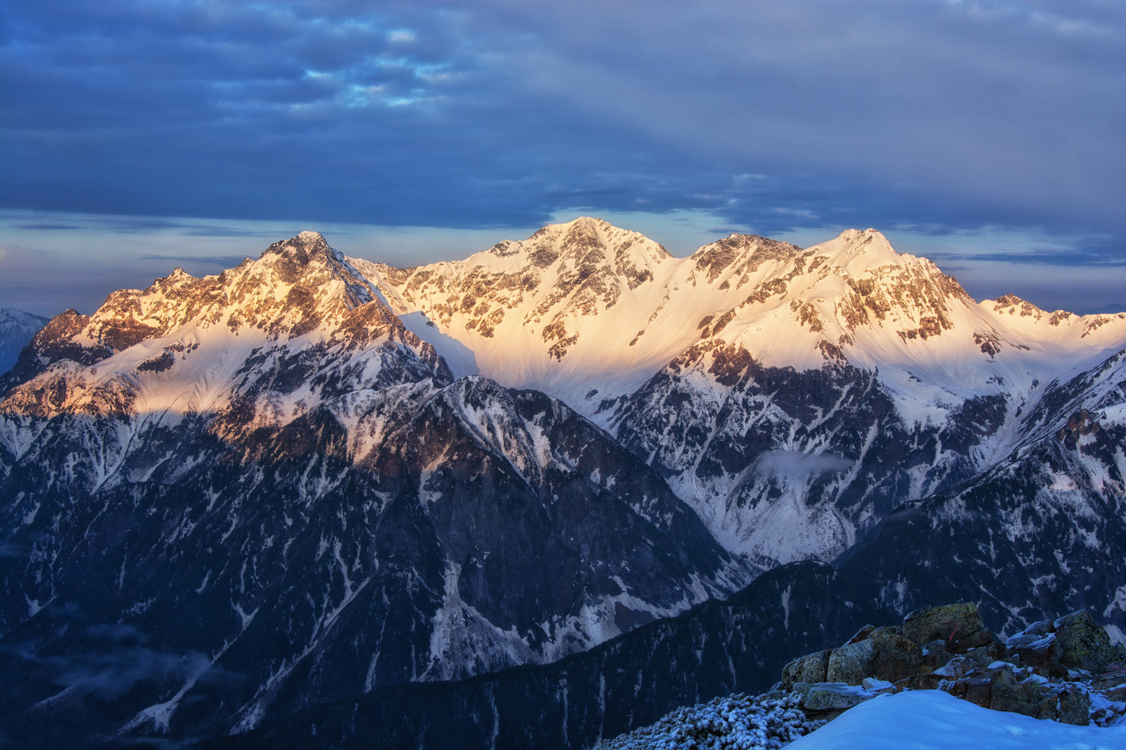 「穂高岳のモルゲンロート」の写真