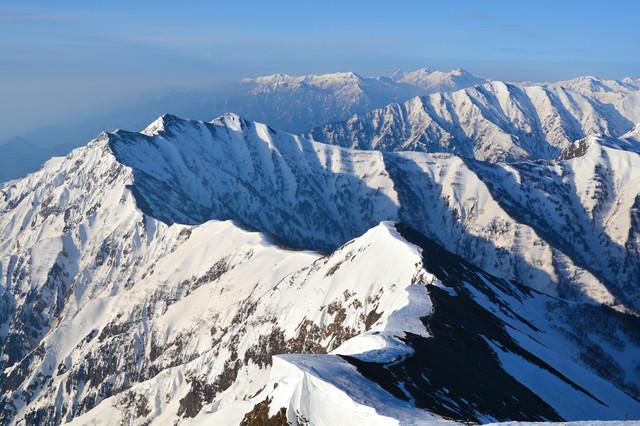 雪残る爺ヶ岳(北アルプス)の写真