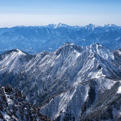権現岳と南アルプスの写真