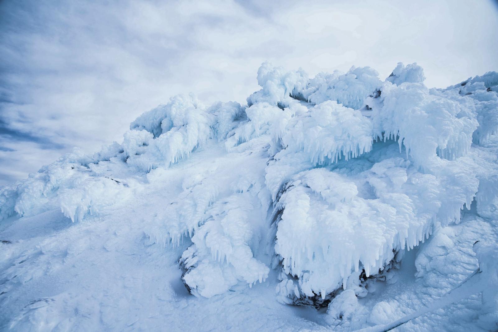 「乗鞍岳に現れた氷のオブジェ」の写真