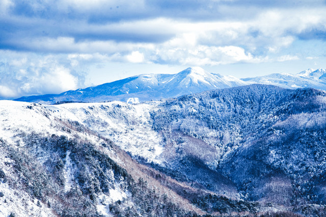 美ヶ原から望む蓼科山(タテシナヤマ)の写真