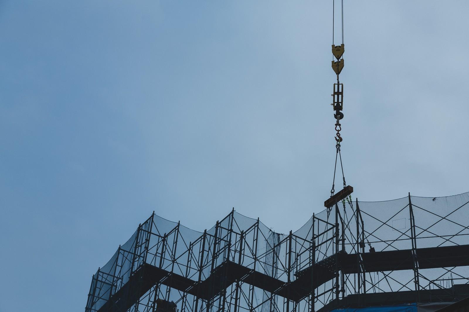 「建設現場の玉掛け」の写真