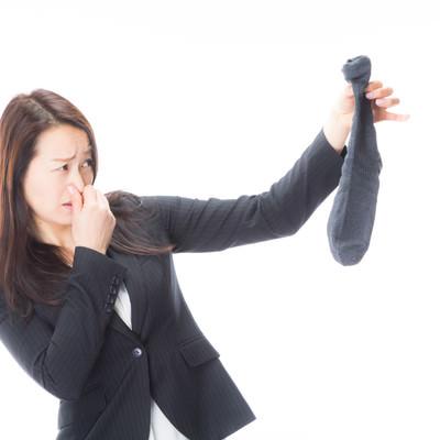 「男性用靴下から悪臭がします」の写真素材
