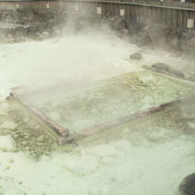 「温泉街中心部にある草津温泉の源泉」の写真素材