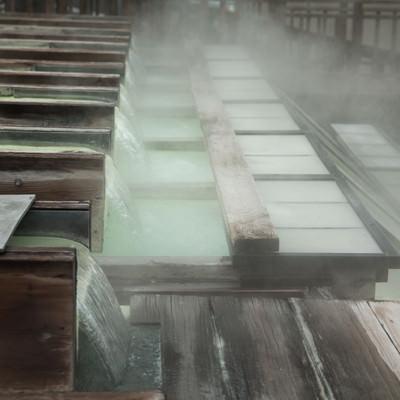 「草津温泉 湯樋」の写真素材