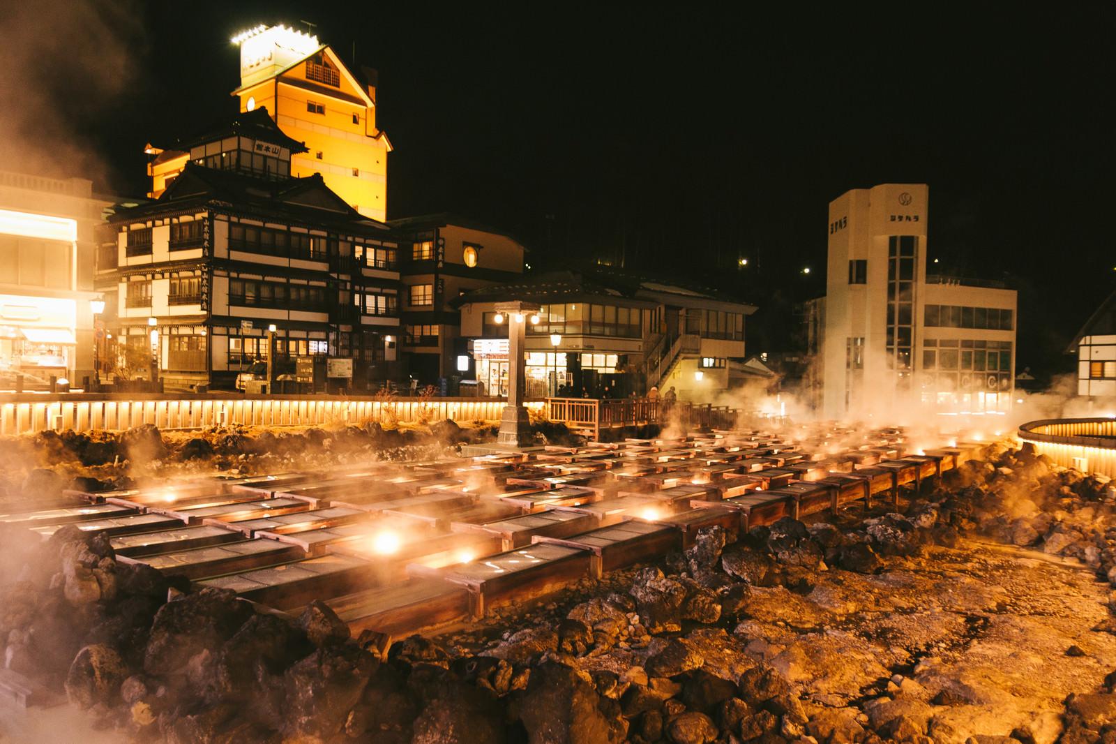 「草津温泉湯畑の夜景」の写真