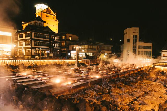草津温泉湯畑の夜景の写真
