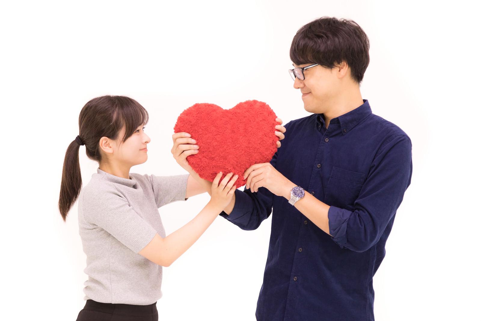 「ハートをがっちりカップル」[モデル:真崎真幸 千歳]