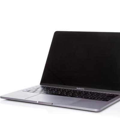 コンパクトな MacBook Pro 13インチの写真