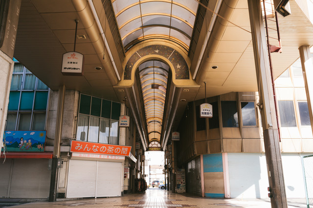 雨の日でも安心! アーケードがある商店街(前橋商店街)の写真