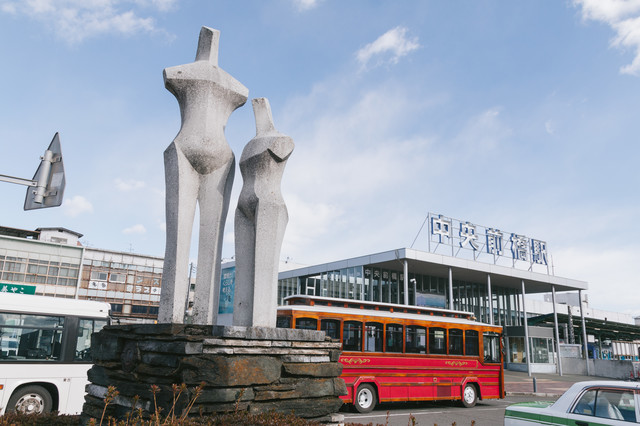 中央前橋駅前のオブジェの写真