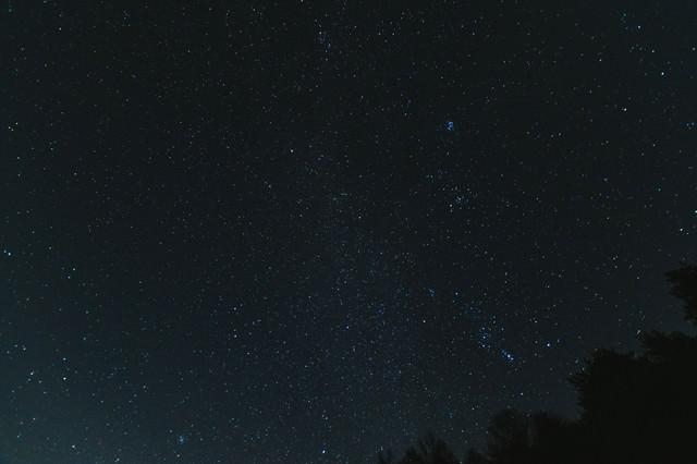 巣栗渓谷の星空の写真