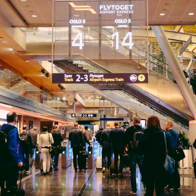 オスロ空港のゲートの写真