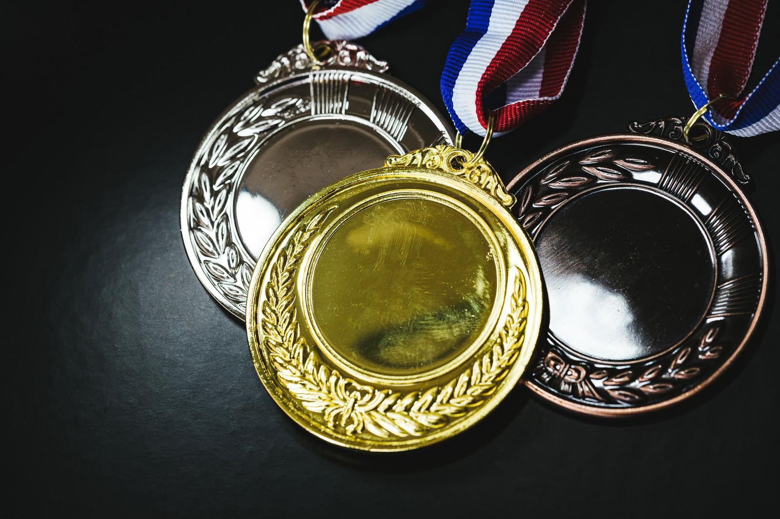 「金銀銅メダル」の写真