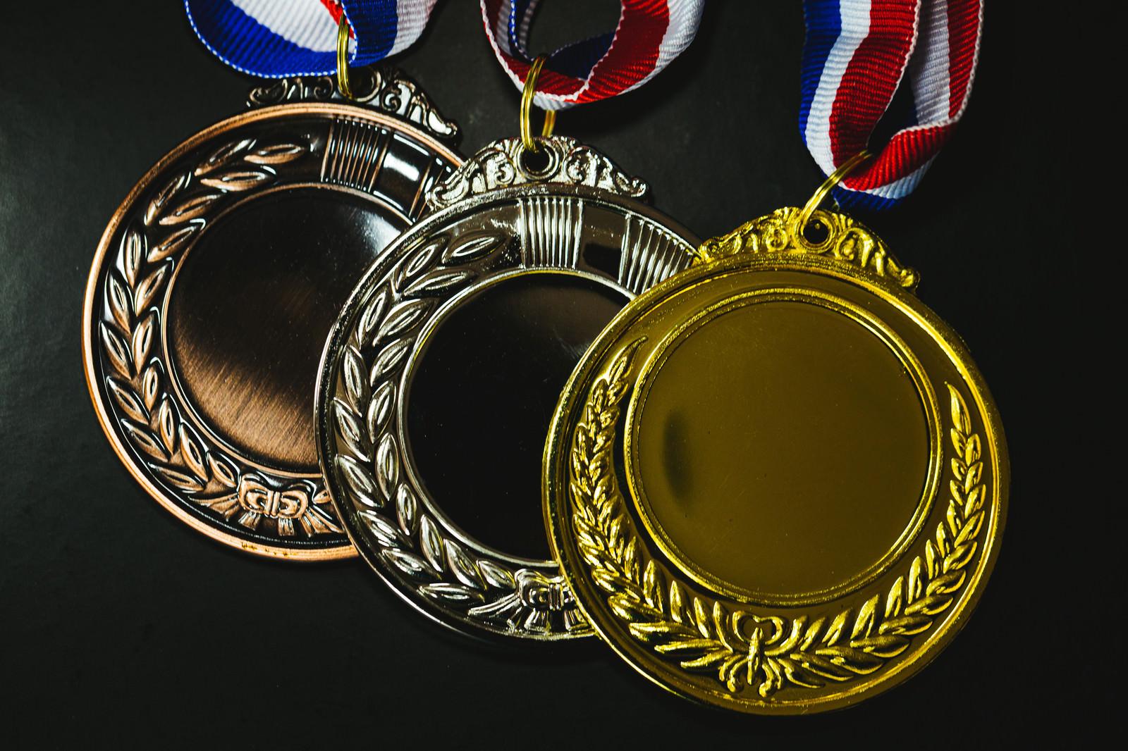 「3色のメダル(金・銀・銅)」の写真