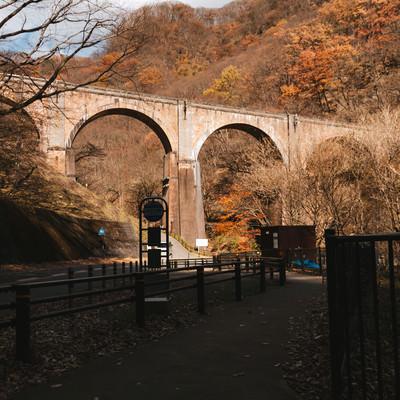 「碓氷第三橋梁(めがね橋)」の写真素材