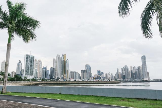 パナマの海岸と都市の写真
