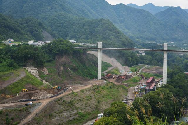 工事が進む八ッ場ダムの写真