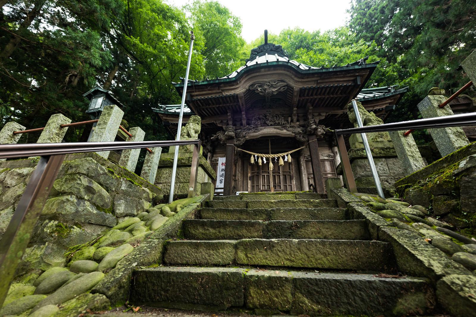 「群馬県の長野原町にある王城山にある「王城山神社」」の写真