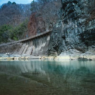 川原湯岩脈(臥龍岩)の写真
