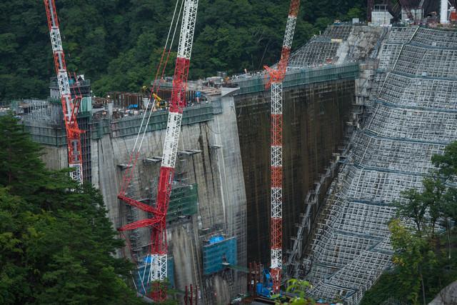 八ッ場ダムの建設現場の写真
