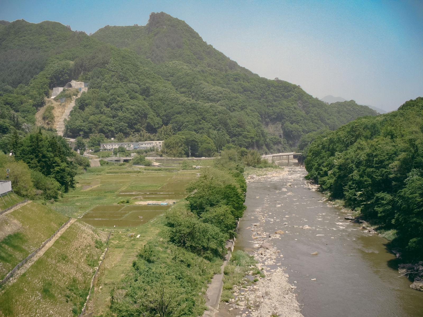 「八ッ場ダムに沈む前の吾妻川と景観」の写真