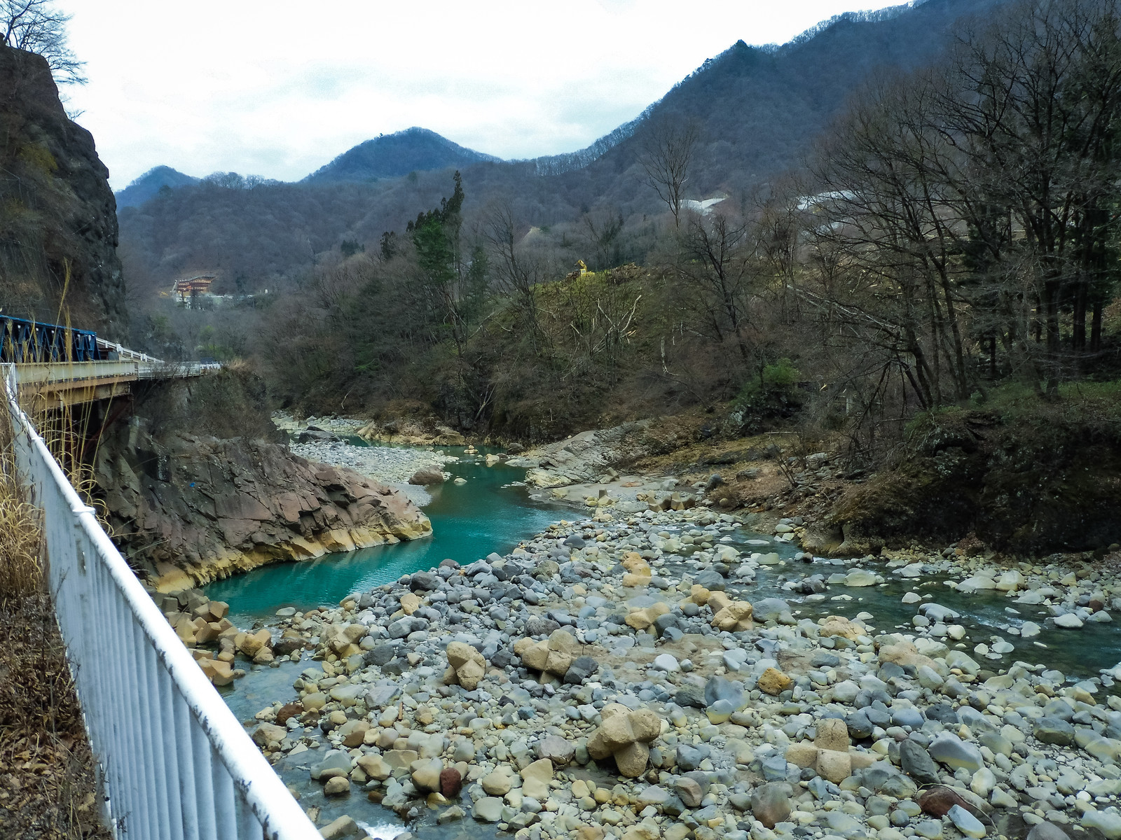 「臥龍岩と吾妻川(八ッ場ダムによる水没予定地)」の写真